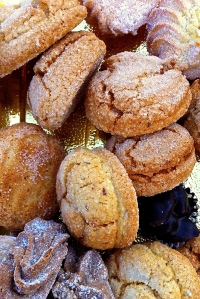 Almond cookies and pastries are always welcome at the end of a Pugliese meal.
