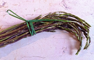The first wild asparagus can be found in the country outside Martina Franca or in the weekly market.