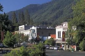 Ashland is a beautiful little town nestled in the foothills of the Siskiyou and Cascade ranges in southern Oregon.