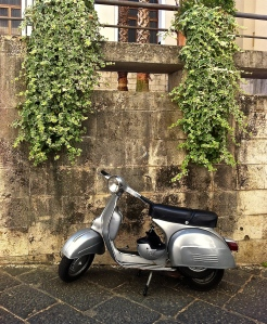 Few things characterize the new pace of our life like this classic Vespa.