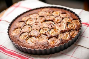 Gorgeous fig and almond cake from the New York Times (Photo credit: Karsten Morgan for the NY Times).