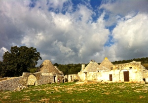 An abandoned masseria in the Martina Franca countryside is still full of clues country life centuries ago.