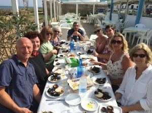 One of our Pascarosa groups eating seafood on the shores of the Adriatic.